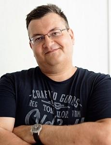 Директор ООО Вертикаль Дмитрий