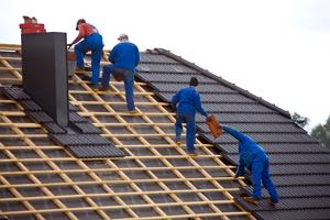 Ремонт крыши домов и зданий